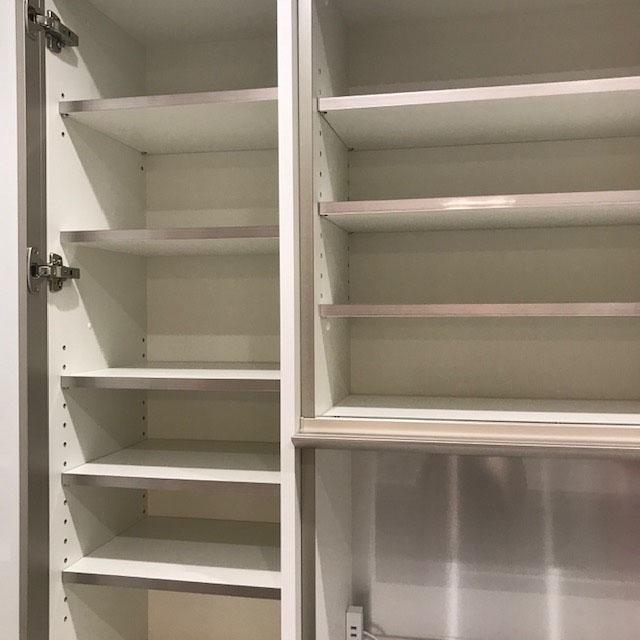 ショールーム食器棚3.jpg
